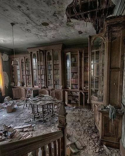 Library Inside An 18th Century Victorian Mansion Scenic