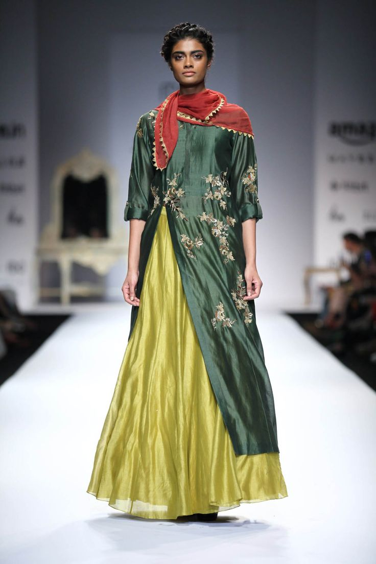 #shopnow #newcollection #straightofftherunway #aifwaw16 #joymitra #designer #clothing #perniaspopupshop