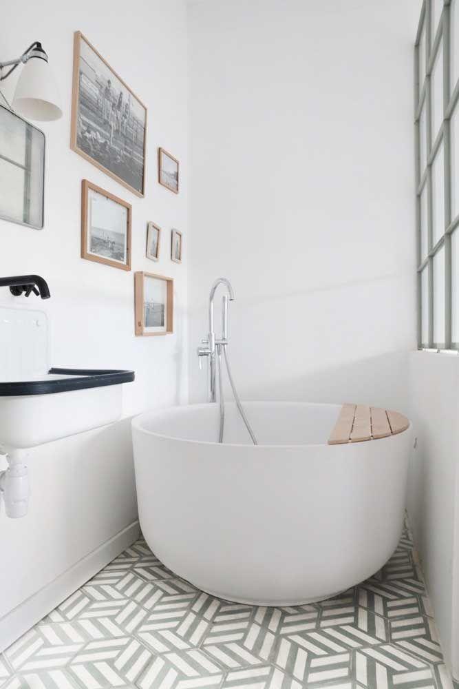 Banheira No Estilo Ofuro Redonda Em Ceramica Em 2020 Com Imagens