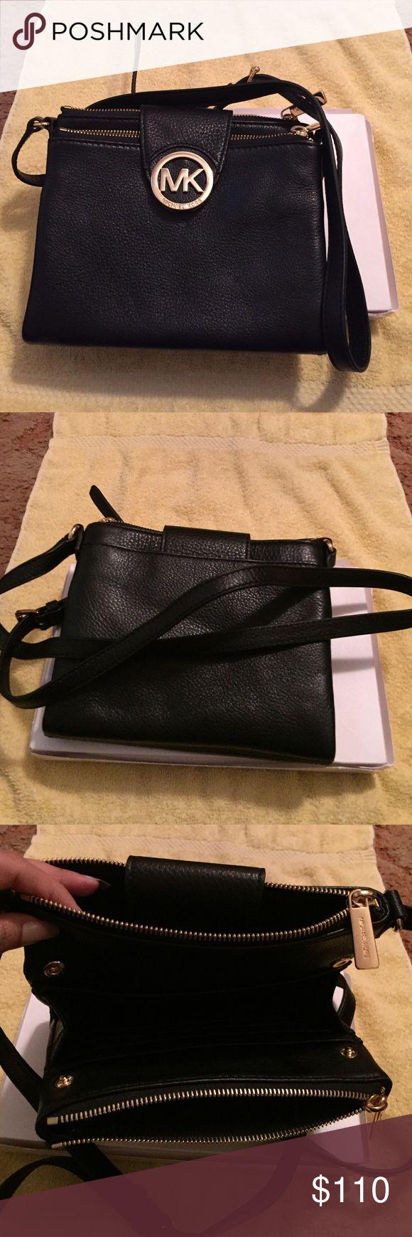 Michael Kors Large Crossbody Handbag black large crossbody purse wear once. Michael Kors Bags Crossbody Bags
