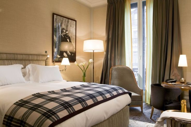 """""""Hotel Regina' in Paris / hotel regina, hotel in paris, 2018 fall / #livingroom #room #luxury / See more: http://www.designcontract.eu/hospitality/stunning-boutique-hotels-lovely-paris/?preview_id=10108&preview_nonce=2d6fcfd483&post_format=standard&_thumbnail_id=10127&preview=true"""