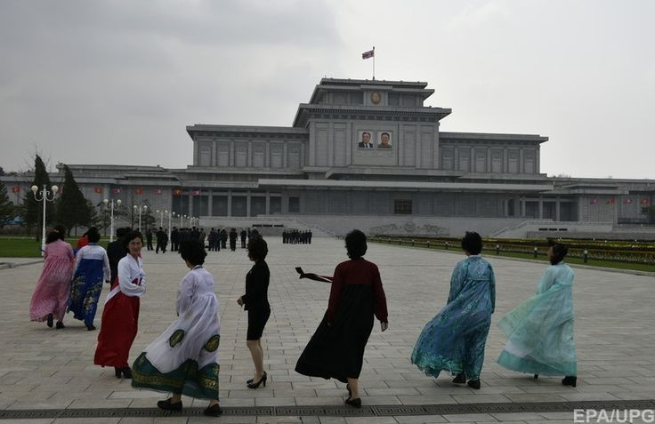 Северная Корея, Пхеньян. Кымсусанский пепориальный дворец - мавзолей Ким Ир Сена и Ким Чен Ира