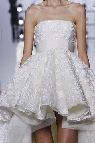 Giambattista Valli  Robes de mariée Haute couture. Automne 2013/2014 ...