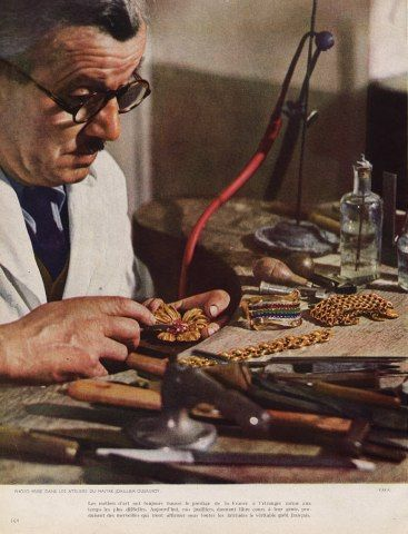 A jeweller working in the Dusausoy workshop in 1946.