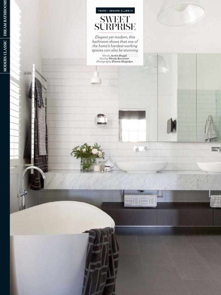 Carrara Marble bench elegance in this bathroom by Fiona Austin of Austin Design Associates. Feature in July @homebeautiful  #cdkstone #carrara #carraramarble #marble #naturalstone #naturesmasterpiece #naturalbeauty #designinspiration #designinspo #bathroom #bathroominspiration #homebeautiful