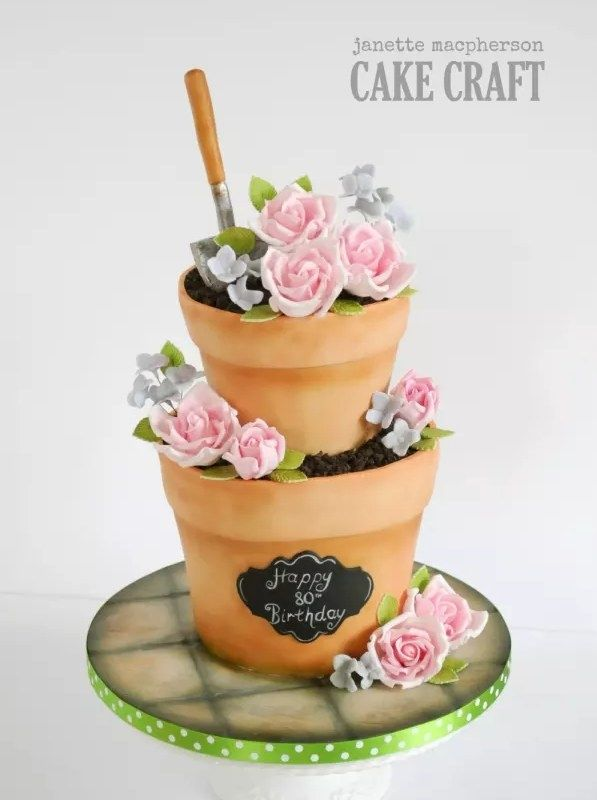 This flower pot cake that looks like the real thing. | Community Post: 15 Ridiculously Stunning Nature Cakes That Are Almost Too Perfect To Eat