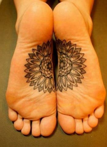I don't have any tattoos, not do I intend on getting any, but these would be pretty cool yoga feet.