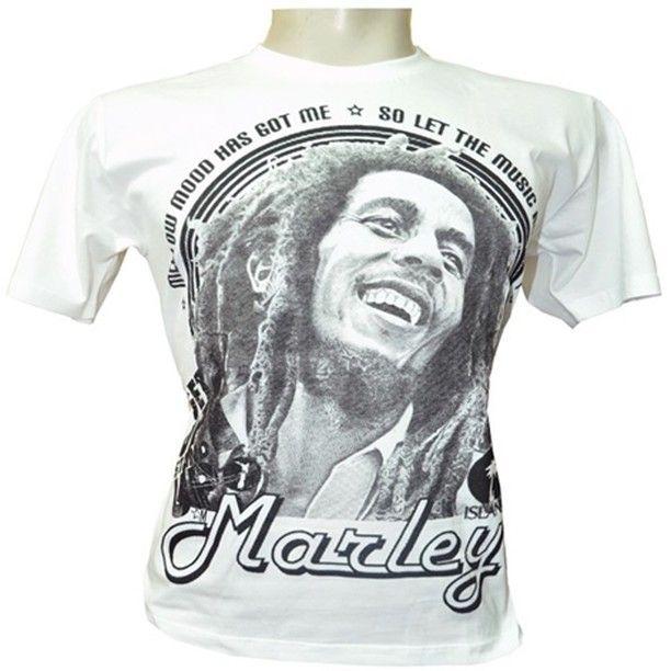 """Camisa Bob Marley  Camiseta com desenho icônico de Bob Marley e referencias às musicas """" Mellow Mood """" e """" Get Up Stand Up"""", fazem dessa uma ótima opção alternativa às tradicionais camisetas do mercado.  Nossas camisas são confeccionadas em malha 100% algodão penteado, 30 fios. Desenhadas artisticamente e estampadas por processo de serigrafia manual, nossas camisetas, são sempre pensadas para oferecer conforto, durabilidade e originalidade.  Mais informações acesse nossa pagina pelo link…"""