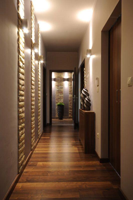Узкий и длинный коридор - как визуально его увеличить?