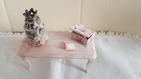 Miniatura  Tavolo Rosa con Gabbia uccellino  stile Shabby