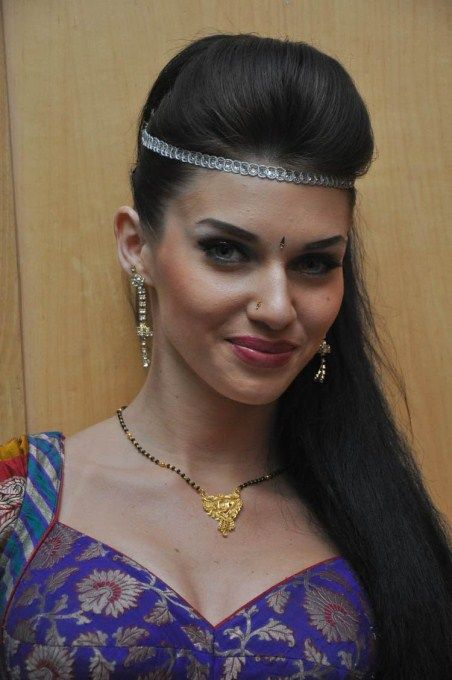 scarlett mellish wilson hot in jilla
