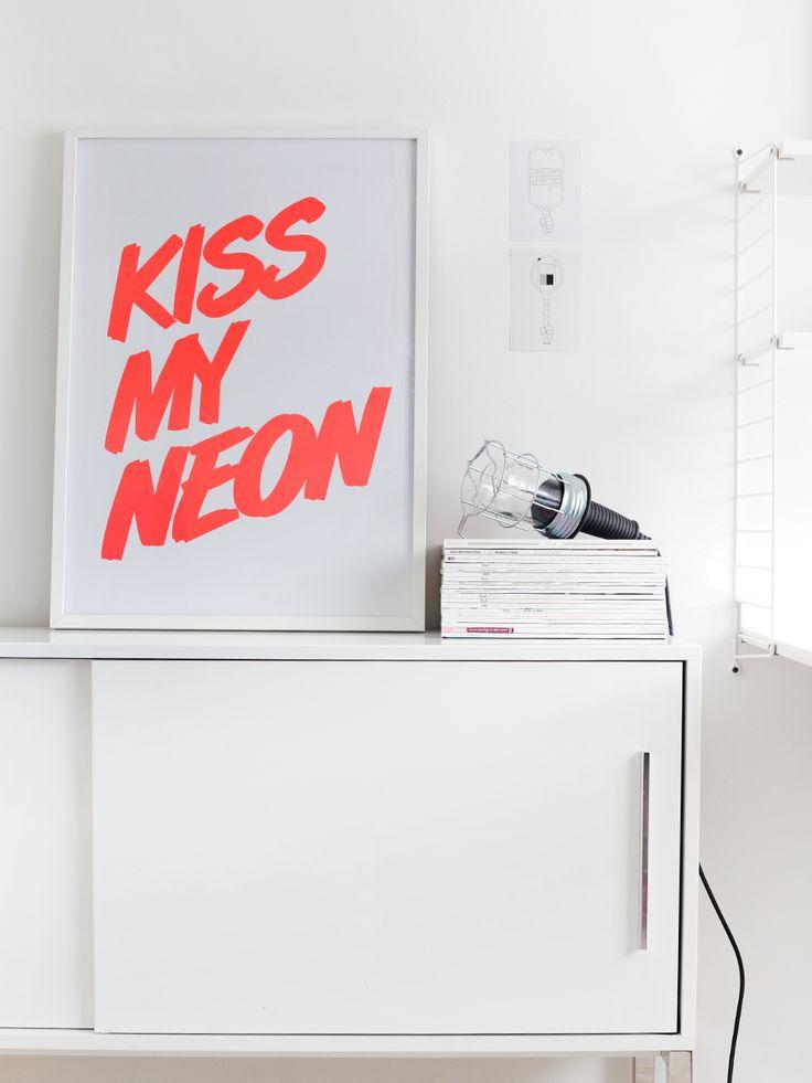 SmoochDecor, Wall Art, Inspiration, White Spaces, Picture-Black Posters, Interiors, Neon, Design, Kisses