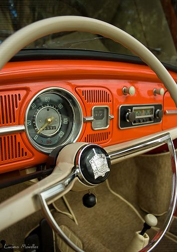 Beetle steering wheel -- this could almost be the dash of my bug.