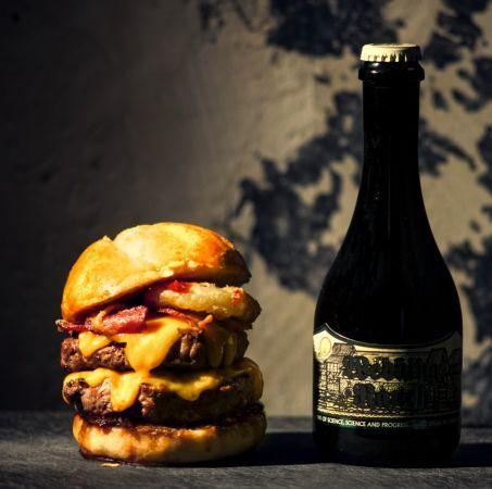 Five Guys, PNY, Blend, Big Fernand, Steak'n Shake: quel est le meilleur burger de Paris? - Challenges.fr