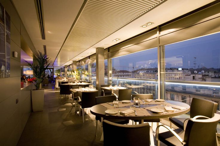 The Globe and its relaxed atmosphere enhanced by modern, sober yet sophisticated design.