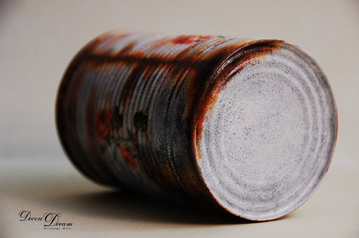 Rusty decoupage rose can by www.facebook.com/decoudream