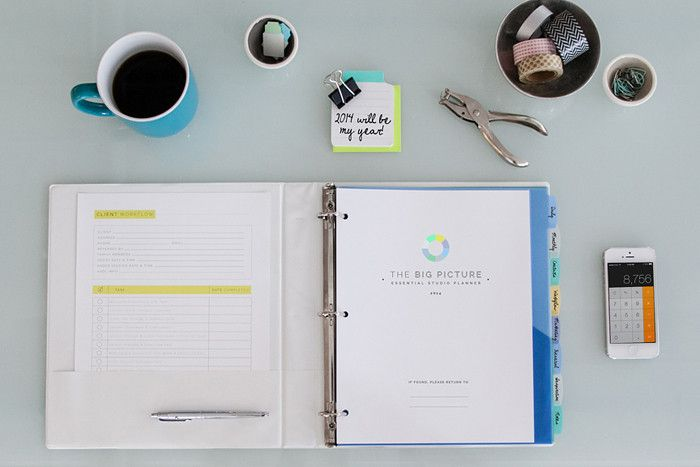This Big Picture Planner: The Essential Photographer's Planner for Studio and Personal Success #designaglow