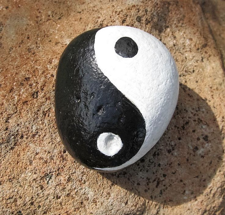 Yin Yang Rock,Hand Painted Stone, Zen,Inspiration, Meditation, Painted Rock, Paperweight, Black and White, Yoga Life, River Rock,Garden Rock by JeannesJungle on Etsy https://www.etsy.com/listing/516818367/yin-yang-rockhand-painted-stone