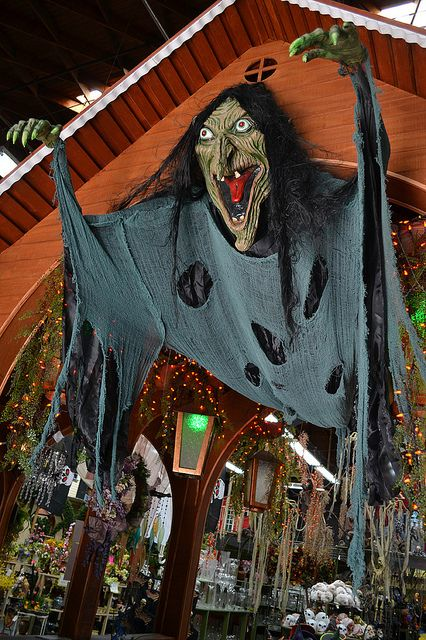 Halloween at Stats Floral - Pasadena by halloween_guy, via Flickr