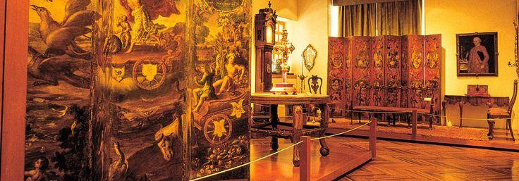 La Colonia o el Virreinato en México (1521-1810). El periodo conocido como la Colonia o el Virreinato en México empieza en el siglo XVI, cuando los españoles, Tenochtitlan. Aprende más en torno a él...