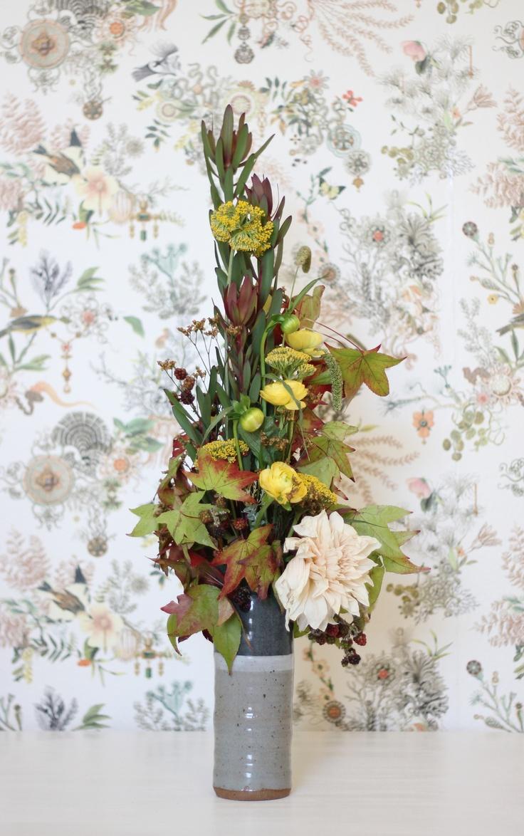 10 best images about vertical arrangements on pinterest floral arrangements bird of paradise. Black Bedroom Furniture Sets. Home Design Ideas