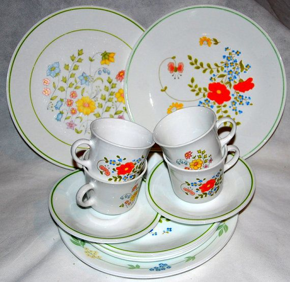 Corelle Mix and Match Wild Flower and Meadow Vintage Dish Set - Serving for 4 & 147 best Pyrex Dishes images on Pinterest | Vintage pyrex ...