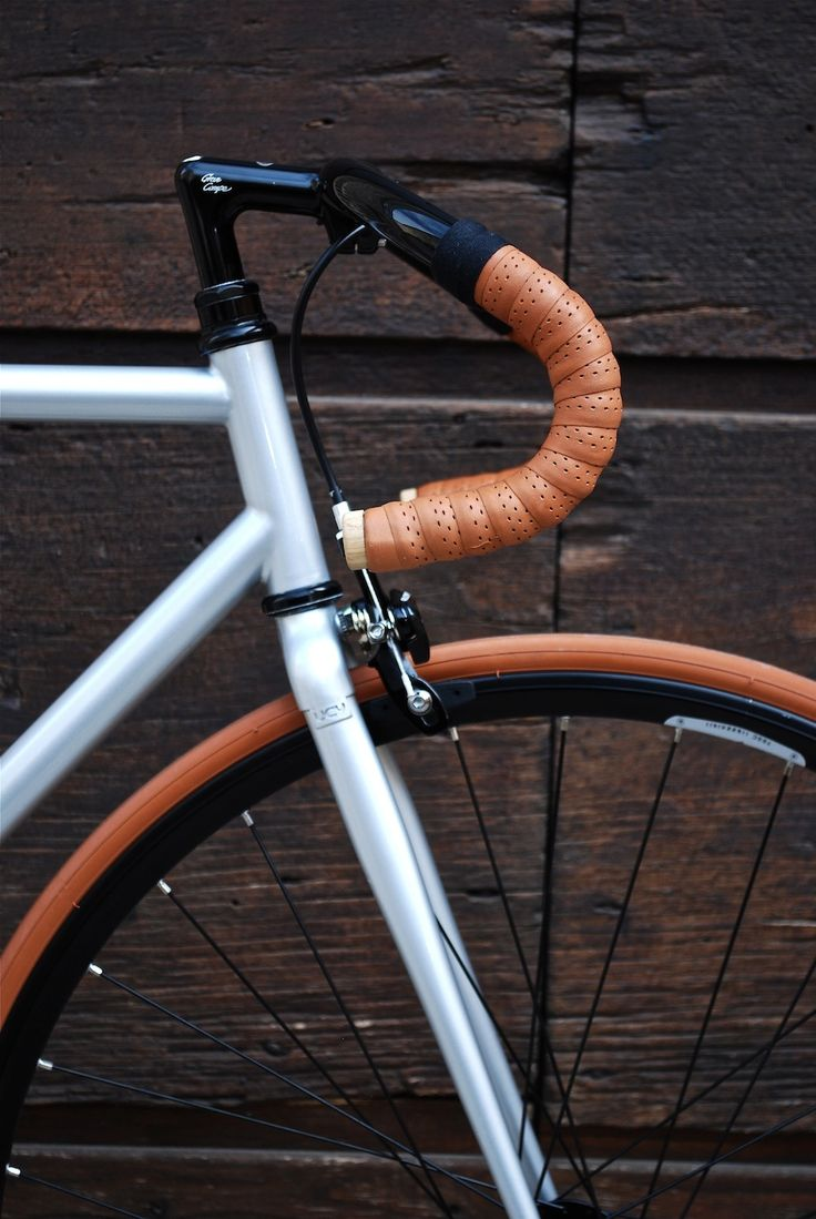 Looks really comfortable...like the way the beige handle complements the tyre...