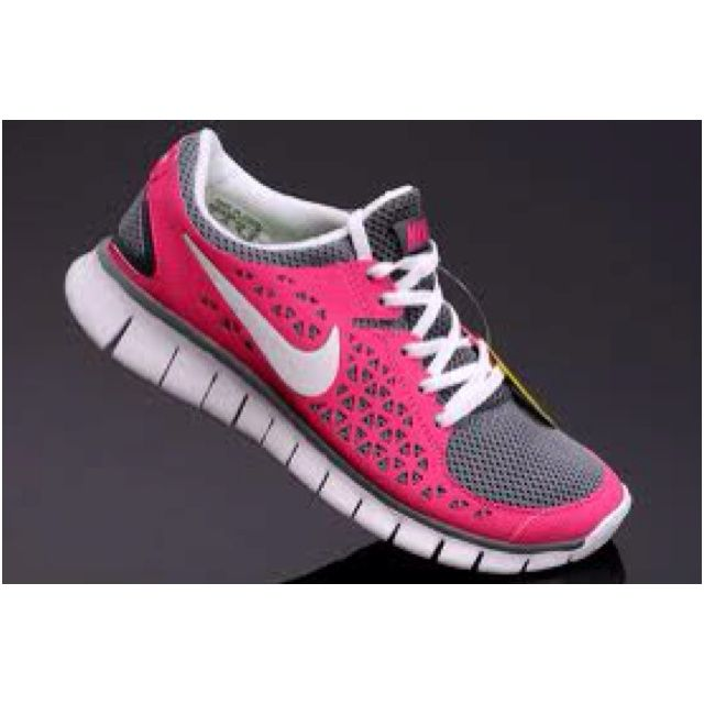 Shop for women's sneakers and athletic shoes online at DSW. We feature a broad range of running shoes, sneakers, cross trainers, tennis shoes, and more from all of your favorite athletic brands.