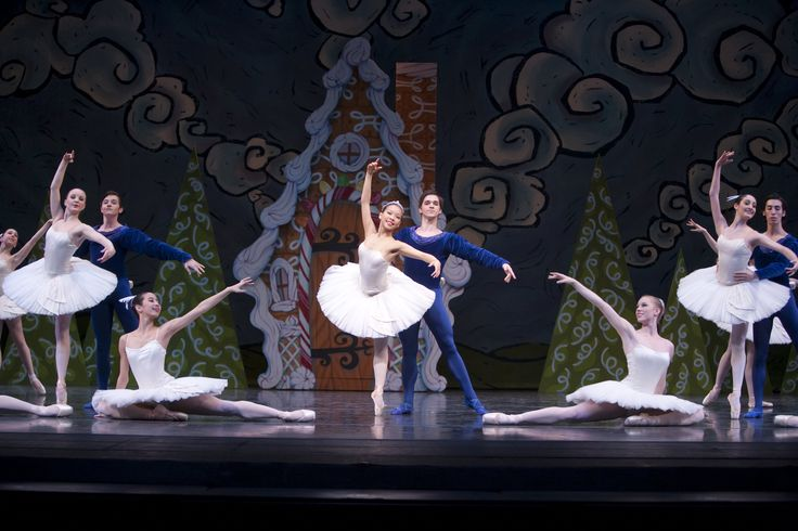 Hansel and Gretel © Angela Sterling          A narrated, hour-long ballet, Hansel & Gretel was created for young audiences and is performed by the students of Pacific Northwest Ballet School. Based on the classic
