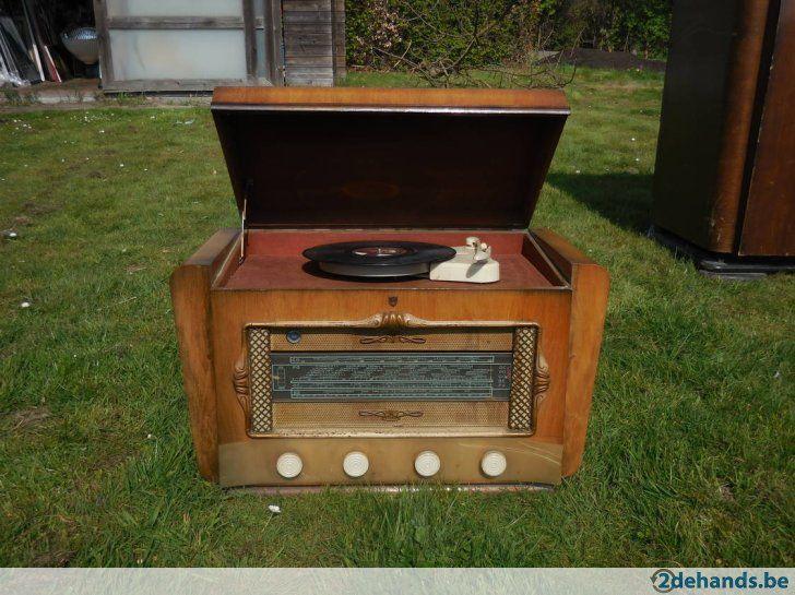Antieke radio van de jaren 50 + platenspeler (erfstuk)