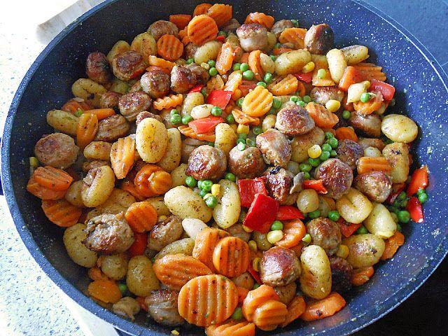 Gnocchi Gemüse Pfanne mit Mettbällchen ~ Luckies