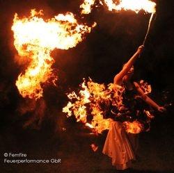Femfire Feuershow für Hochzeiten und besondere Anlässe