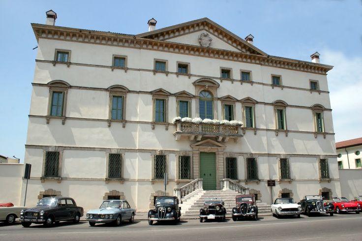 Mostra di auto d'epoca a Villa Vecelli Cavriani