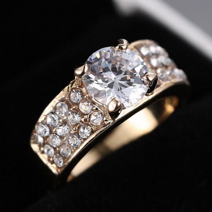 New Design women  Rhinestone rings jewelry Gold Zircon Crystal Rings Engagement ring  Promotions Girlfriend Gifts