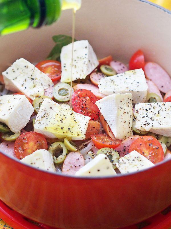 白ワインと塩だけ!カマンベールのオリーブオイル鍋