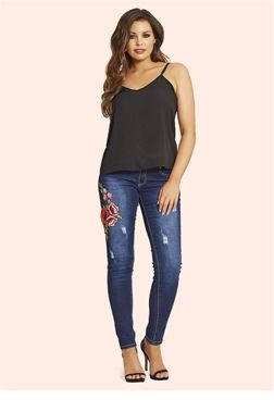 Jessica Wright Jaime Embroidered Jeans  £55.00 Keep up with the latest trends and make every outfit stand out with these embroidered jeans.   Colour: Blue