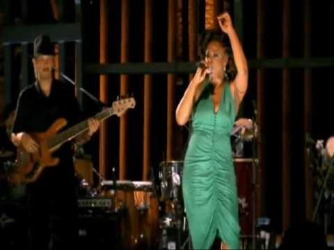 """""""Negras Perucas"""" - Paula Lima (participação especial de Toni Garrido) (+..."""