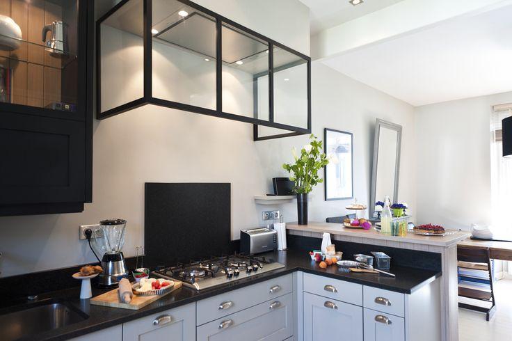 7 best hotte verre style atelier images on pinterest for Une cuisine sur mesure