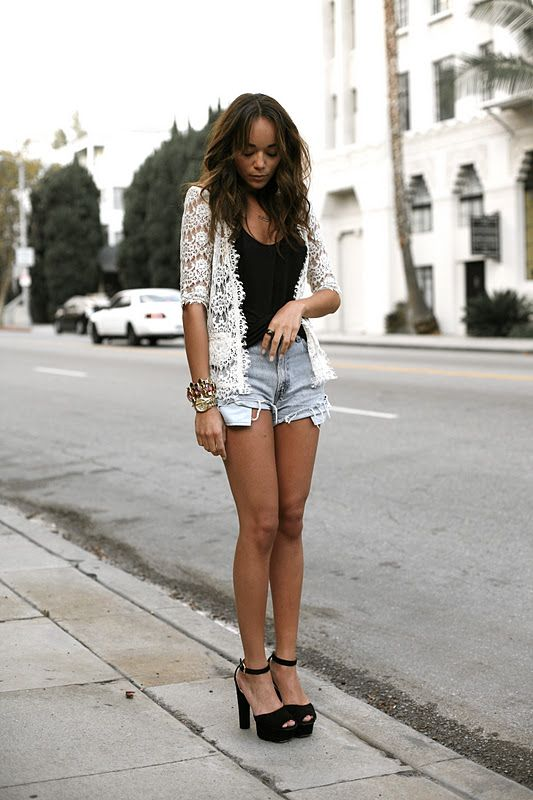 Fashion Bloggers Street Style: Ashley Madekwe in Lace and Denim