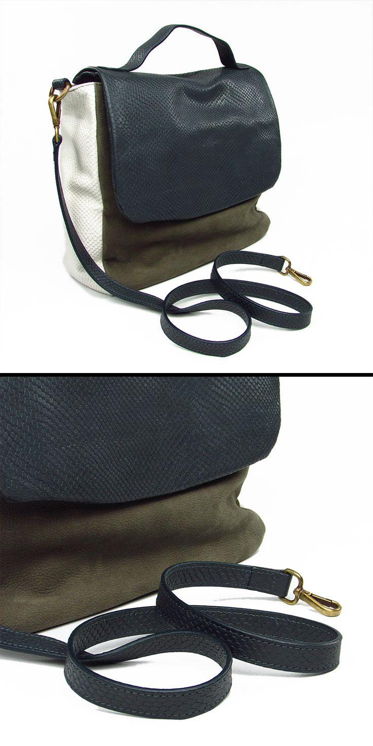 OCA BAGS. Borsa rettangolare. PATTINA e tracolla in pelle con stampa tipo RETTILE. I lati della borsa sono color panna. Le parti anteriore e posteriore della borsa sono realizzate in pelle simil-camoscio. Completamente foderata. Col. grigio fumo e fango. 100% Pelle. Made in Italy.  #ocaborse #ocabags #bags #purse #handbags #designerhandbags #shoulderhandbags #bagsforwomen #leatherbags #handmadebags #bagsmadeinitaly #borse #borsedadonna #madeinitaly #montorsiboutique #montorsimodena