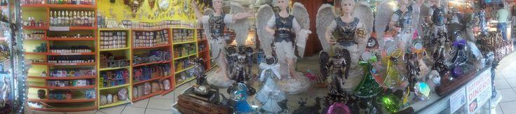 Tienda esotérica con veladoras, rocíos mágicos, inciensos, cuarzos,  geometría sagrada, dijes, talismanes, amuletos, pirámides, ángeles, arcángeles. Mira en todoslosangeles.mx