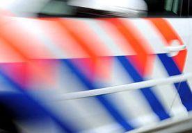 15-Jun-2014 9:52 - MEERDERE POLITIEAUTO'S RUKKEN UIT VOOR ERG KLEINE 'INBREKER'. Een echtpaar in het Brabantse plaatsje Beers hoorde vannacht geluiden vanuit de keuken komen en belde de politie. Die rukte uit met meerdere...