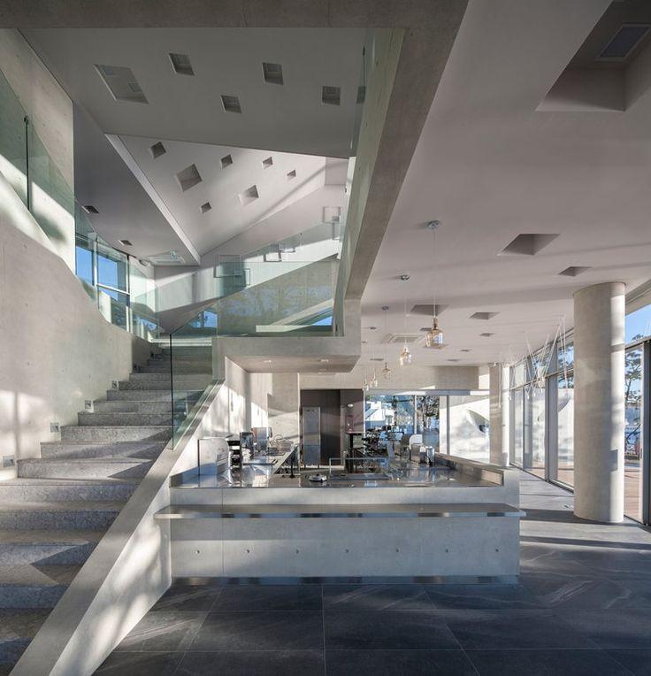 Фото из статьи: Потрясающий современный дом в форме звезды