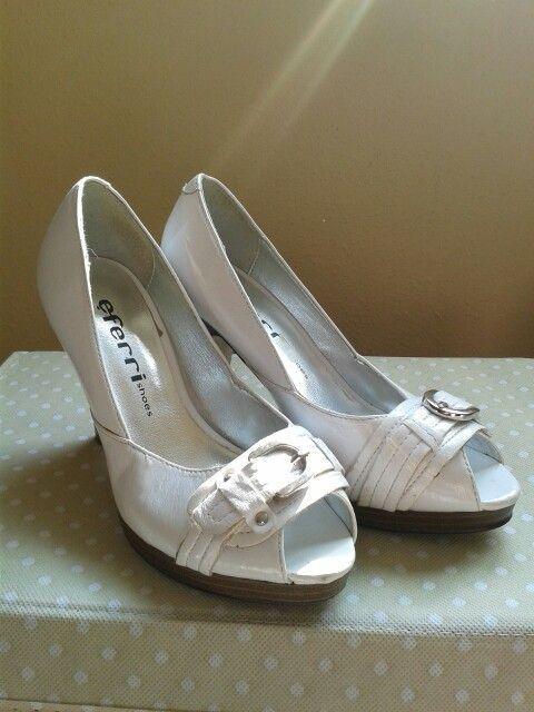 Peep toes en blanco 7€
