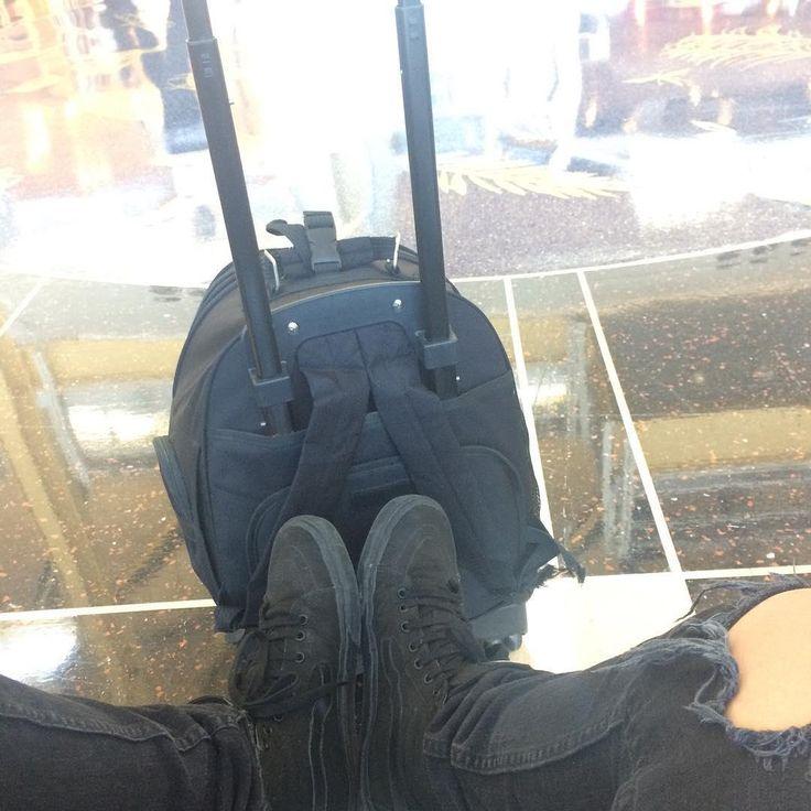 Black vans. Black Pants. Black backpack. Black outfit never outdated!