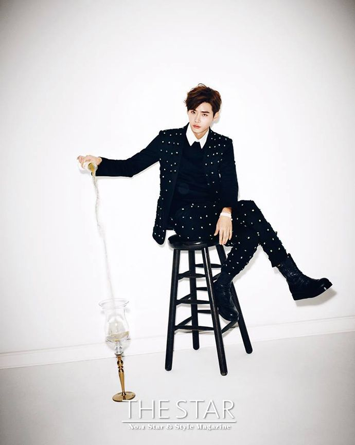 Extra Spreads Of Lee Jong Seok From The December Editions Of W Korea & The Star Magazine | Couch Kimchi