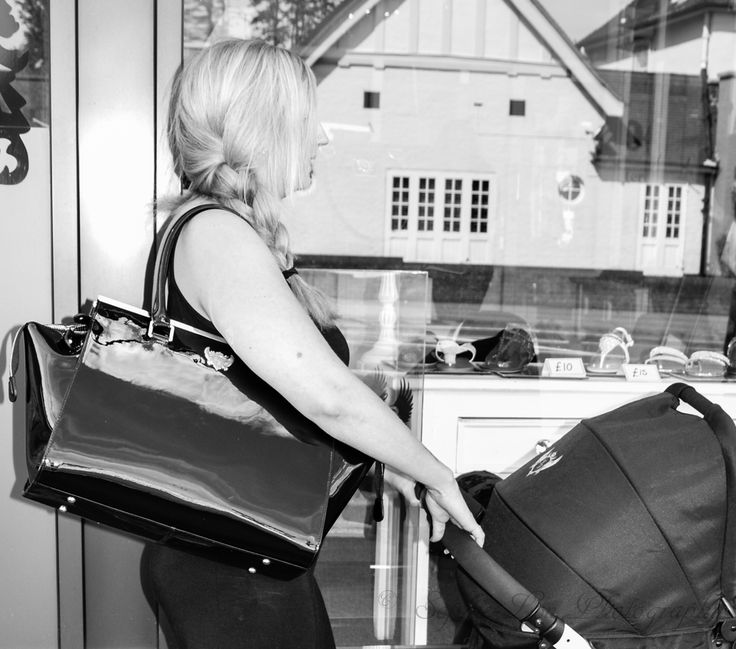 Our NEW #London Bag in action! This beautiful #bag is made from real Patent Black #Leather and has plenty of room to fit all your #baby essentials.  #mummmyfashion #changingbag #diaperbag  http://www.hamiltonturnberry.co.uk/changing-bags/33-london-.html