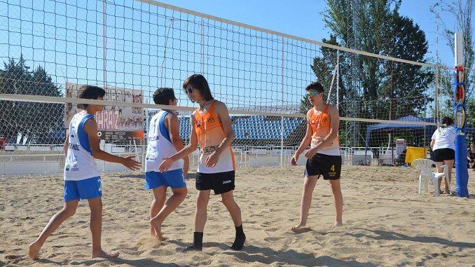A.D.V. JARAÍZ en la fase final del Campeonato de Extremadura de Voley Playa en La Albuera, ha conseguido clasificar para esta fase final a dos parejas.