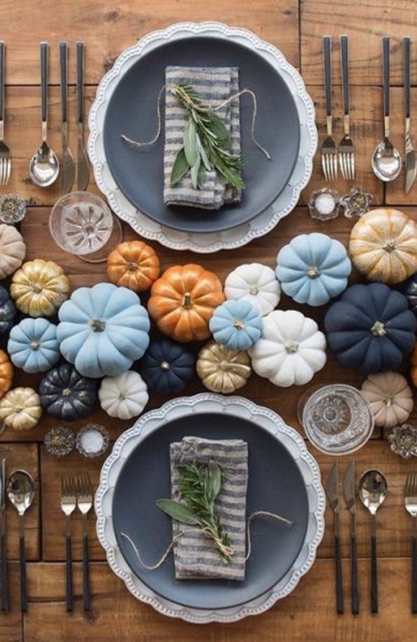16 Mouthwatering Thanksgiving Tables