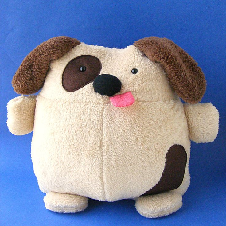 That tongue! That tummy! Those furry ears! Those stubby little paws! Make your own dog stuffed animal with this easy pattern - designed for beginners!